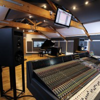 neve-desk-in-spirit-studios