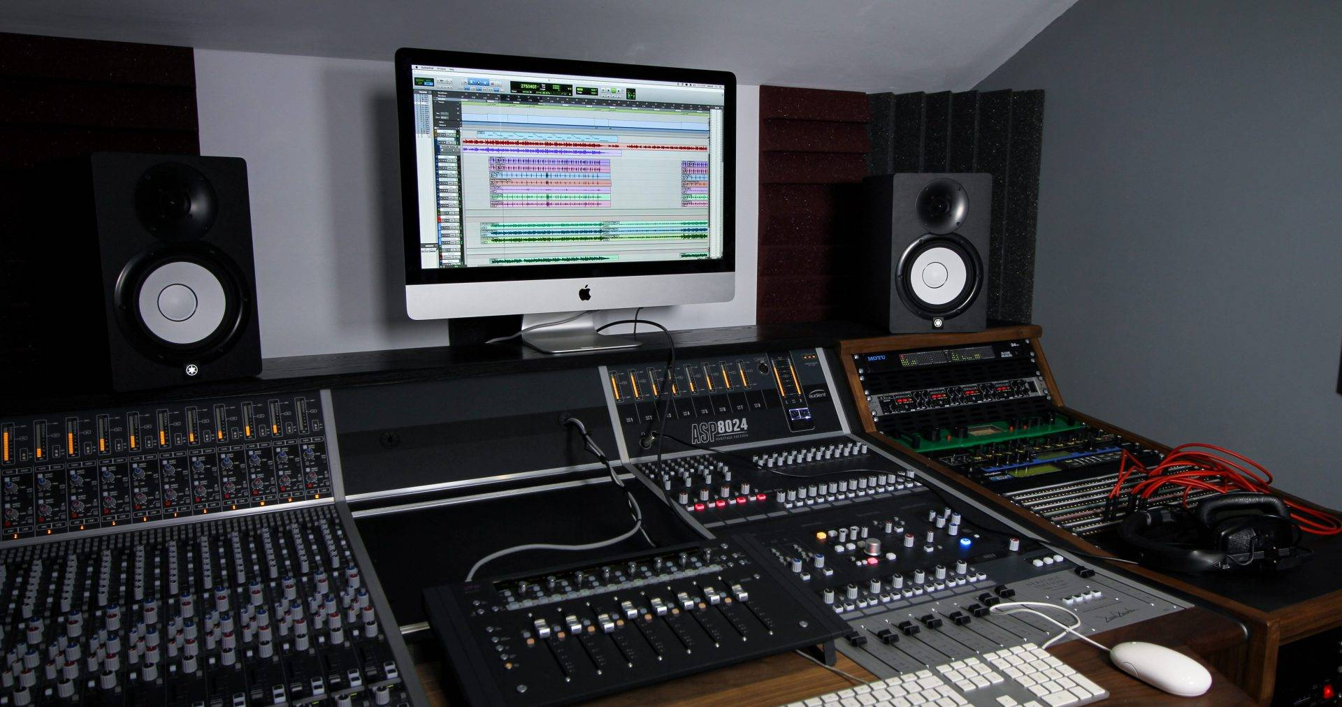 audient-suite-1-desk