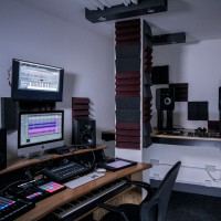edit-suite-desk