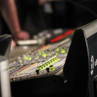 charlie-jones-live-venue-desk